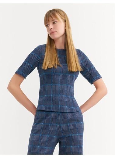 BGN Lacivert - Ekose Desen Örme Bluz Lacivert
